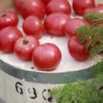 トマトと樽