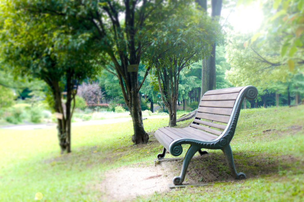 公園のベンチ
