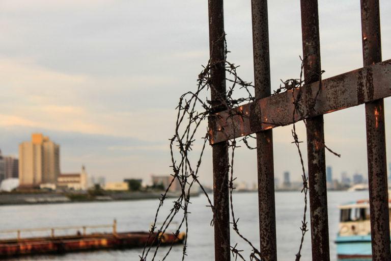 大阪港 鉄柵