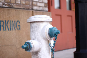 白と青の消化栓