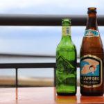 海辺のビール瓶