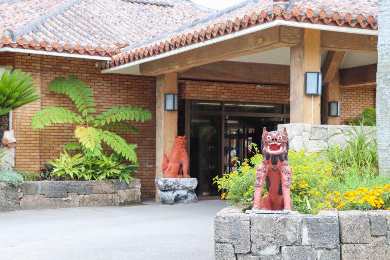 沖縄 玄関のシーサー