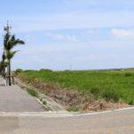 沖縄 石垣島の道路と空 2