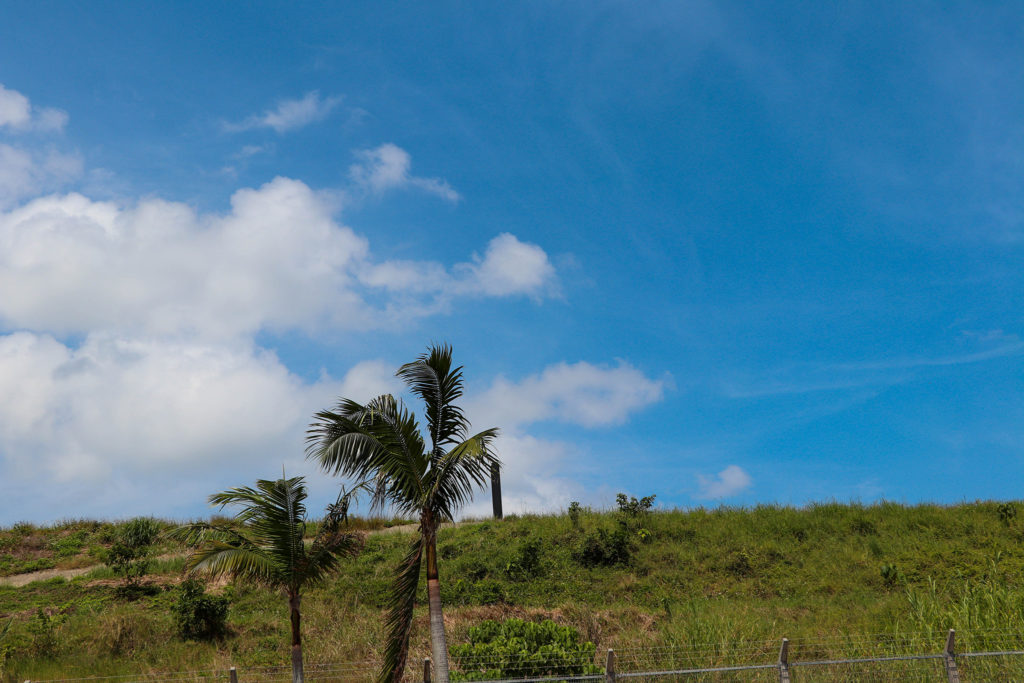 沖縄 石垣島の道路と空