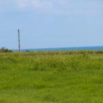 沖縄 石垣島の草原と空