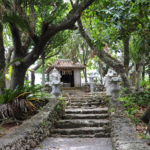 沖縄 石垣島 森の中の神社 1