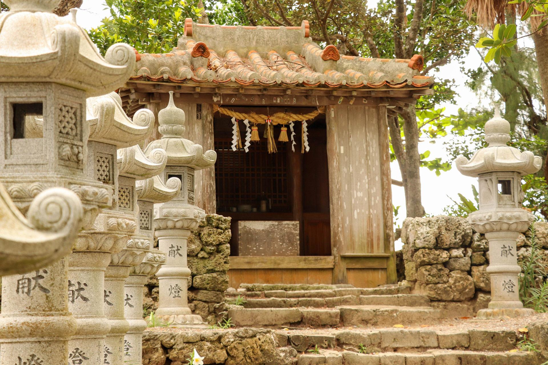 沖縄 石垣島 森の中の神社