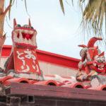 沖縄 竹富島 屋根の上のシーサー 2