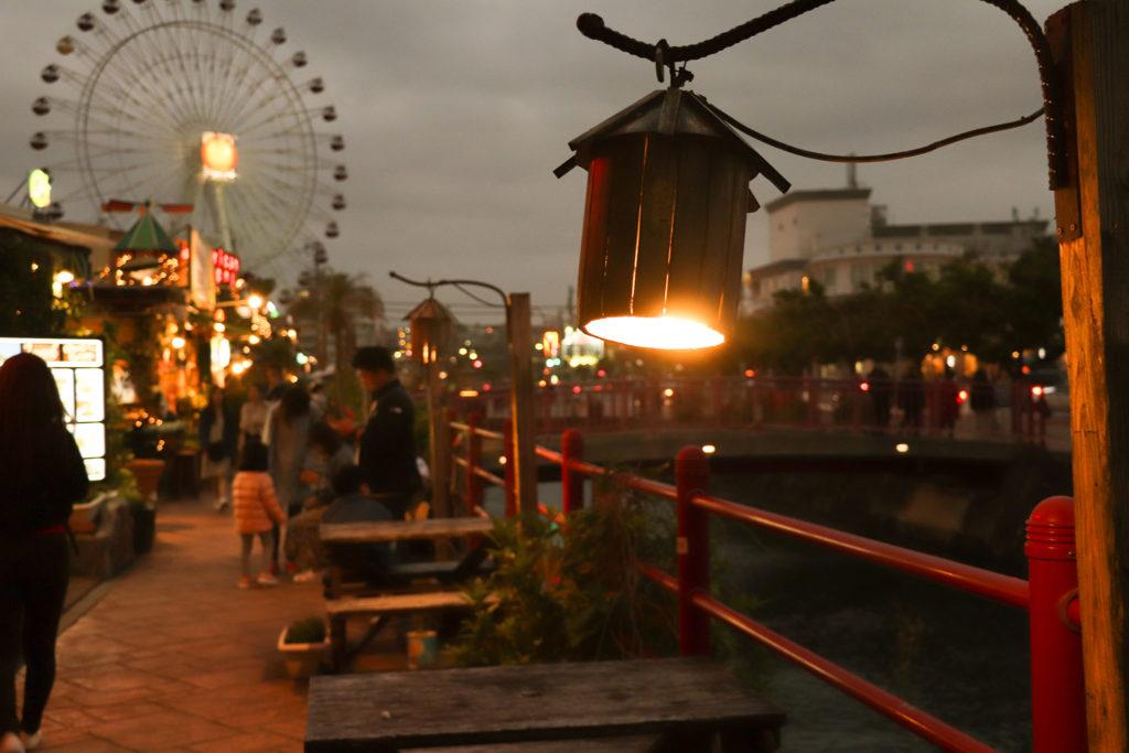 アメリカンビレッジ 川沿いの街灯