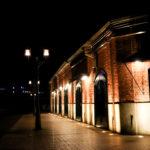 ハーバーランド 夜の神戸煉瓦倉庫と街灯