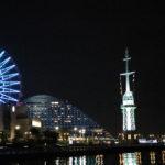 旧新港第五突堤信号所と観覧車のライトアップ