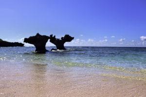 古宇利島 ティーヌ浜の海 ハートロック