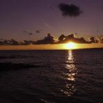 水平線に沈む夕日
