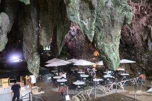 カンガラーの谷 鍾乳洞の洞窟カフェ