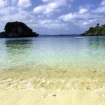 南国の青い海と砂浜 2