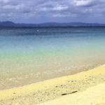 南国の青い海と砂浜 1