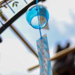 奈良おふさ観音風鈴祭り 青い風鈴と青空