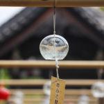 奈良おふさ観音風鈴まつり 寺院と透明の風鈴