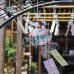 奈良おふさ観音風鈴まつり 風鈴棚の中のフラミンゴ柄の風鈴