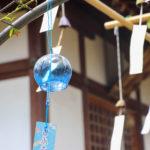奈良おふさ観音風鈴まつり 寺院と青い風鈴