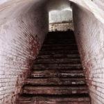 友が島 第三砲台 トンネル内通路の階段