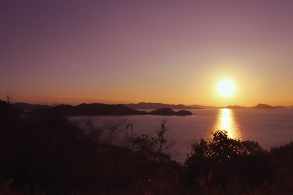 鷲羽山から見た瀬戸内海に沈む夕日