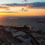 コスモタワー展望台からの夕日と海
