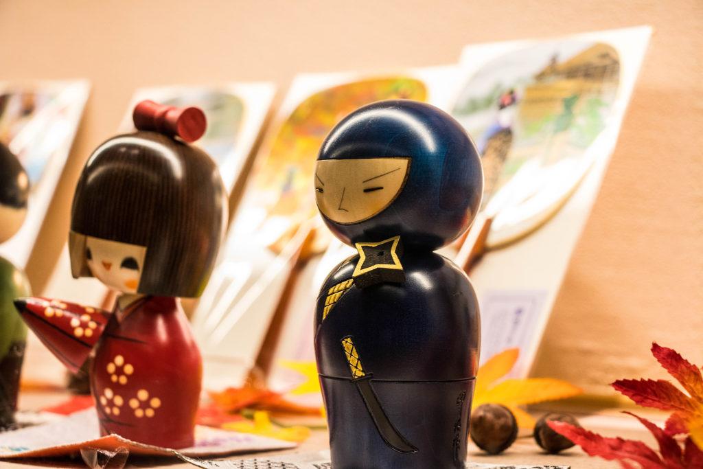 京都のお土産物屋店 忍者のこけし