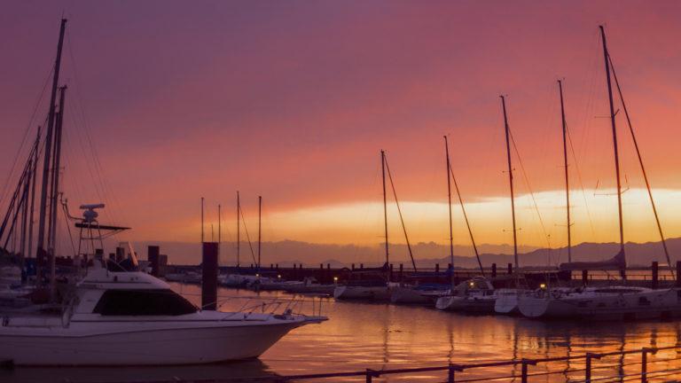 北港ヨットハーバーの夕焼け空
